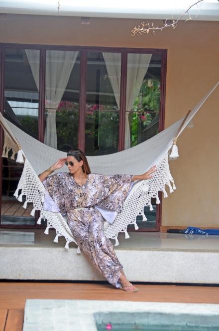 sylviasantacruz_python_animalprint_beach_dress_santateresa_kendrascott